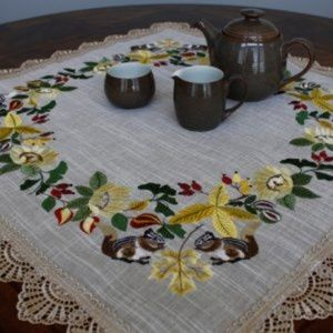 NEW Tablecloth Fall Chipmunks, Square